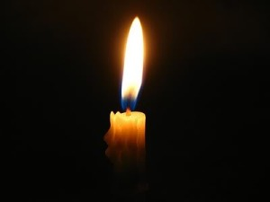 candle-light-in-the-dark